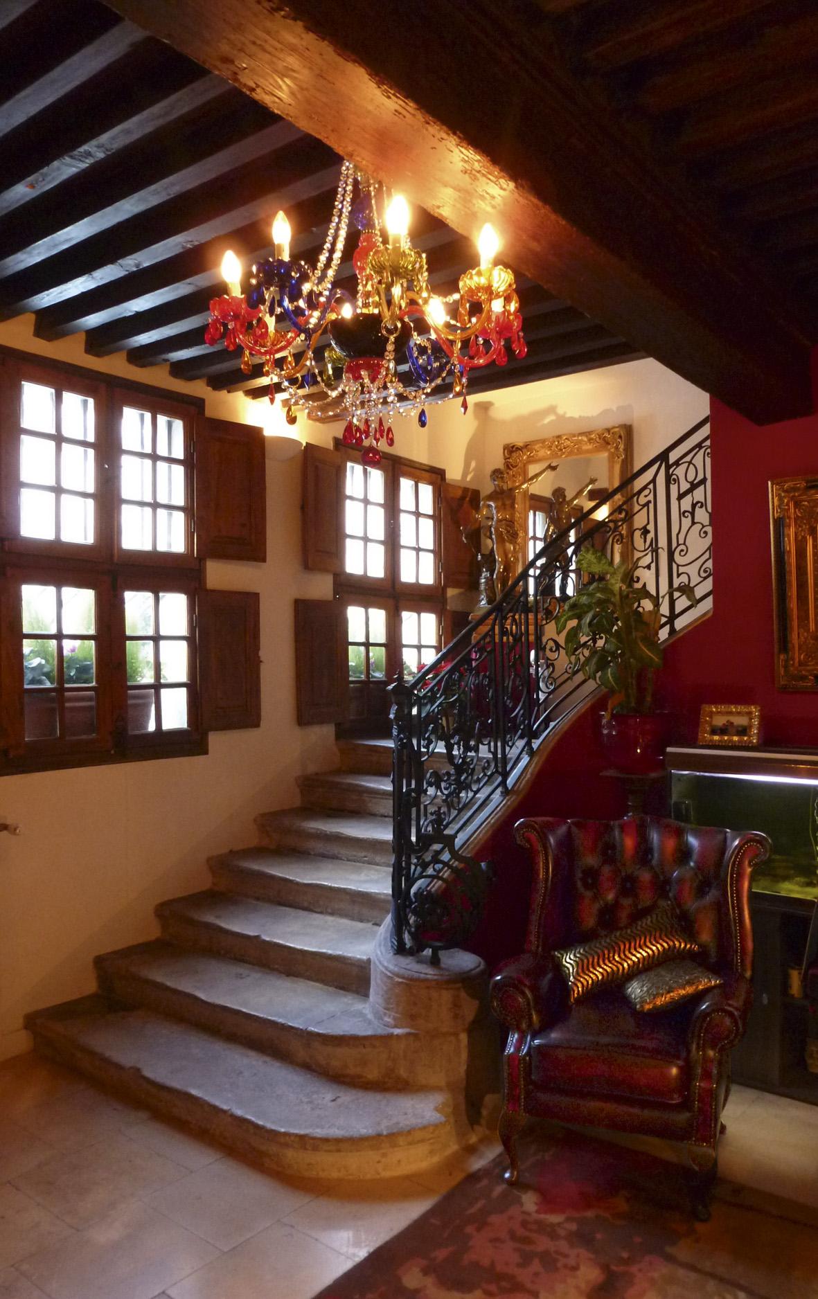 bed and breakfast in provence in villeneuve les avignon les saisons. Black Bedroom Furniture Sets. Home Design Ideas