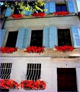 Chambres d 39 hotes en provence villeneuve les avignon les for Chambre d hotes villeneuve les avignon